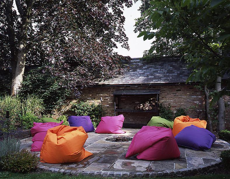 village-garden-beanbags